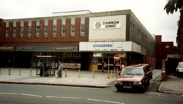 Ionic Cinema Golders Green - now swallowed up into Sainsburys - the film showing is Staggered which seems to be a film made in 1994 with Martin Clunes