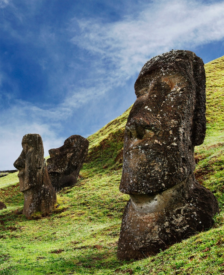 Easter Islands mystifying moai... ✿ Take me here!