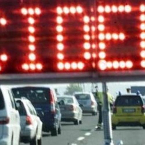 Cronaca: #Roma #incidente tra #camion sullautostrada A1   Lunghe code in direzione della capitale (link: http://ift.tt/291qlJ5 )