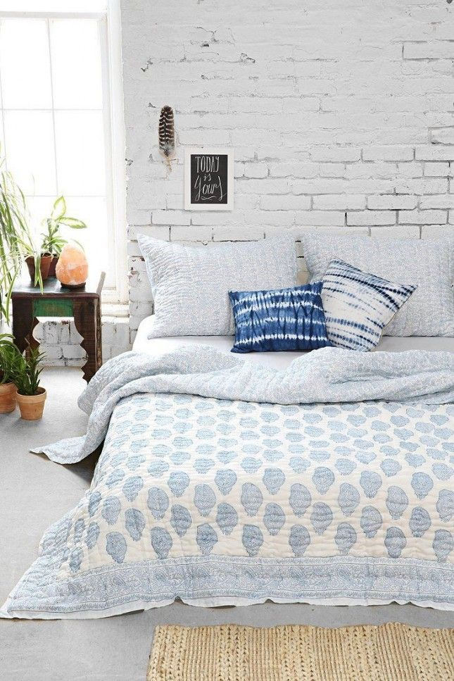 11 dreamy boho bedrooms to swoon over exposed brick for White exposed brick wall