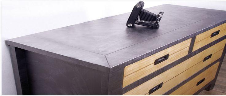 Peindre un meuble ou relooker un meuble en bois avec la peinture acrylique effet métal sans poncer sur un meuble déjà peint, verni ou en mélaminé.