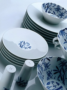 Tableware by Jiri Pelcl [Modernista]