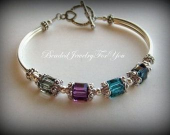 Personalized Birthstone Mothers Bracelet: Moms Birthstone