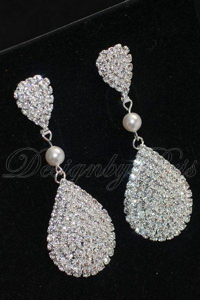 SALE 10% - Bridal Earrings Wedding Earrings Bridal Accessories Rhinestones and Swarovski White Pearl Earrings - Bridal Earrings.Jewelry