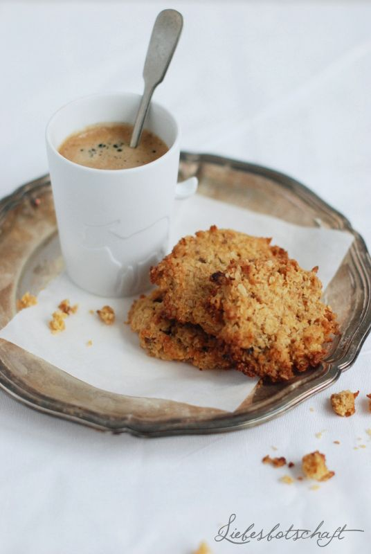 oatmeal cookies with ground nuts & dried fruit