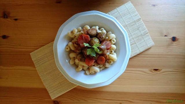 Kelbimbó olaszos paradicsommártásban (gluténmentes, laktózmentes, tojásmentes, vegán) / Recept / kelbimbó, paradicsompüré, vöröshagyma, oregánó, fokhagyma, sárgarépa, balzsamecet, diétánknak megfelelőő tészta