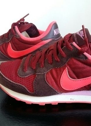 nike internationalist vinted