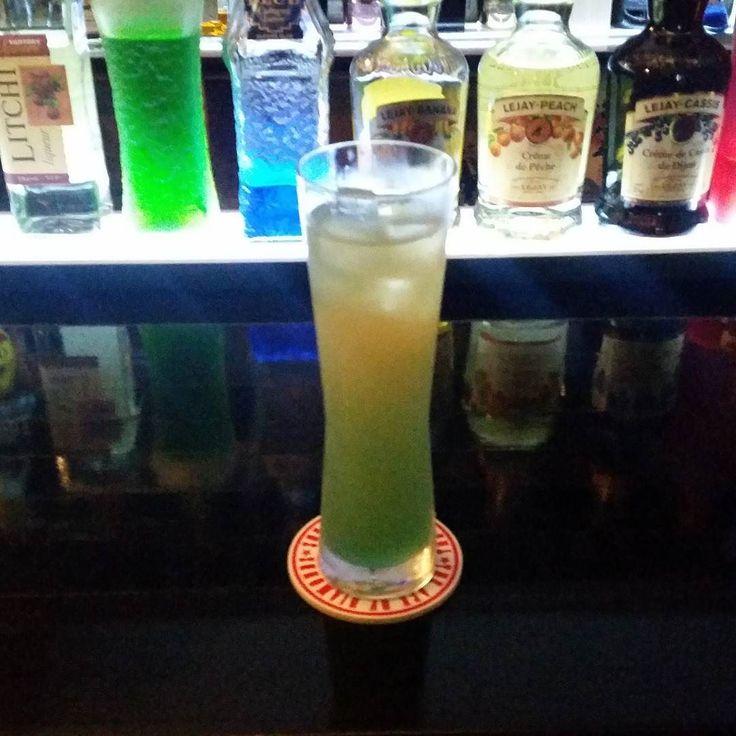 #カクテル #バー #バーテンダー #フレア  #お酒 #シャンクス #ワンピース #チャイナブルー #モエ #モエシャンドン  #モエシャン  #ドンペリ #cocktail  #bar #bartender  #shanks #barshanks #OnePiece  #champagne  #moeshandon  #moet  #moe #donperinyon  #chainabule by onepiecegroup0001
