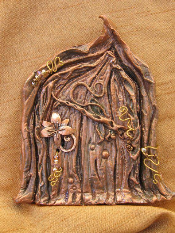 Faerie secrets woods door for Fairy pixie doors