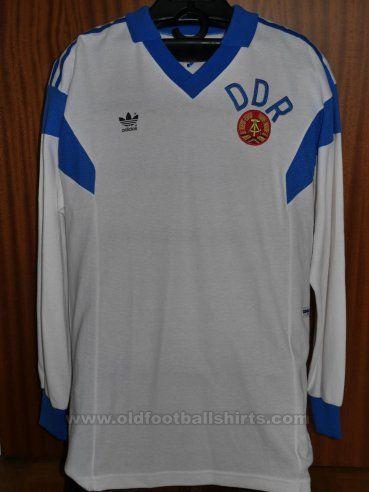 b563bf22661 East Germany Thuis voetbalshirt 1988 - 1989 | avintage | Football ...