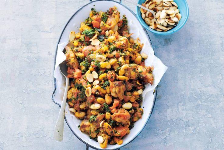 Kijk wat een lekker recept ik heb gevonden op Allerhande! Kip met boerenkool, tomaat en witte bonen