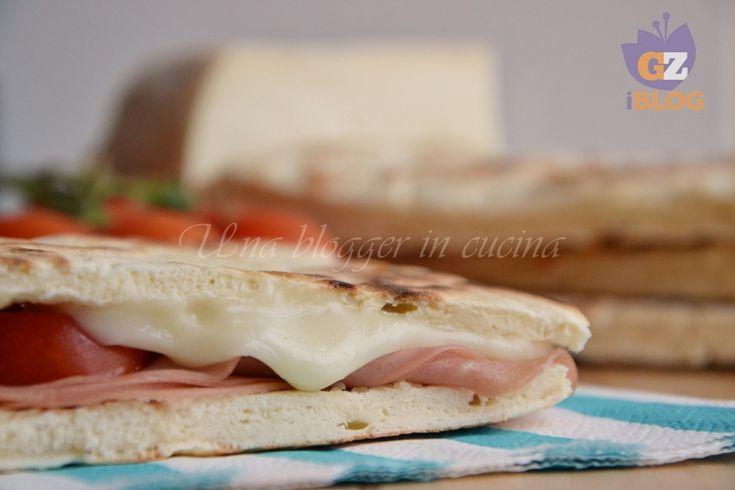 Torta al testo, sostituto veloce del pane
