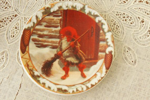 Vintage 80s 90s Arabia Finland Christmas Plate by SycamoreVintage