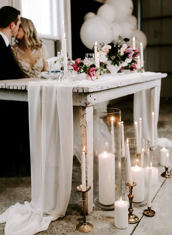 Romantic Snowy Wedding Inspiration in The Countryside