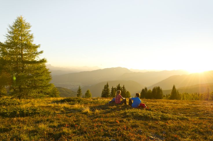 (c)Franz Gerdl  Guten Morgen aus Villach! Eine Wanderung durch die Region für einen guten Start in den Tag! #GerlitzenAlpe #Outdoor #Sonnenaufgang #Wiesen #wandern