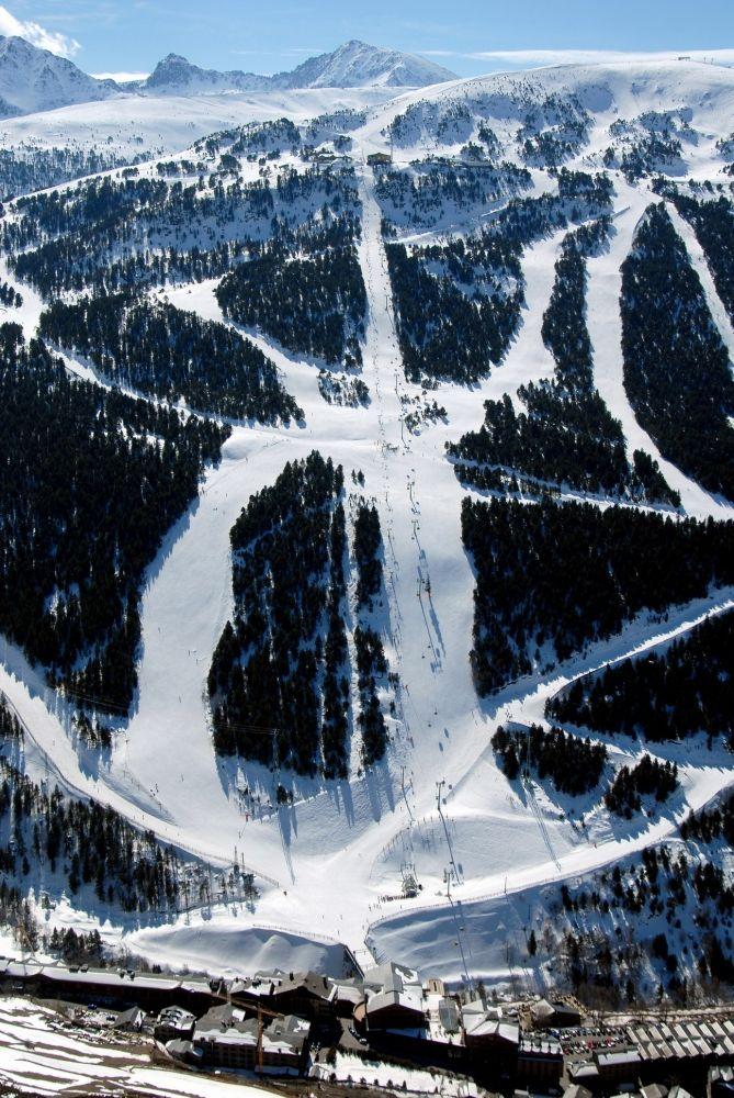 Avet FIS slope, #Soldeu | snowzine.com