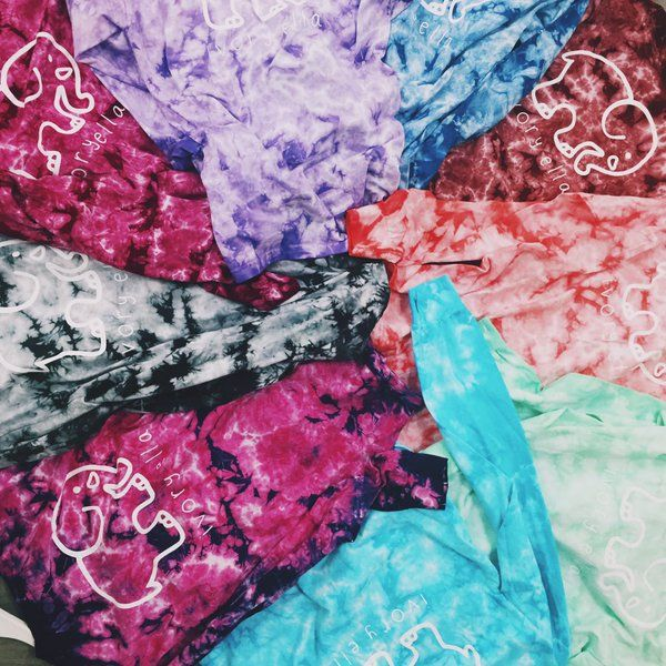 who likes our acid washed tie dyes?! ✌
