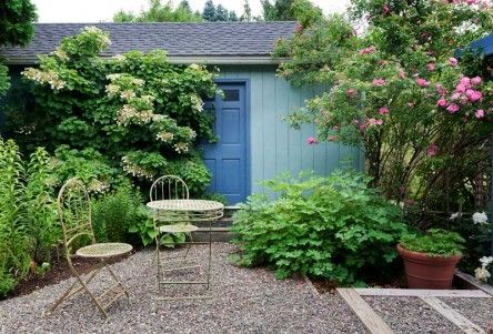 Courtyard Garden Privacy — Arts & Crafts Homes and the Revival