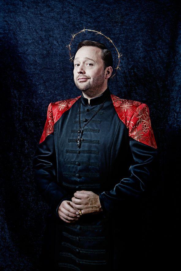Richard Groenendijk - Met de mantel der liefde - donderdag 5 maart 2015 te zien in Theater aan de Parade! http://www.theateraandeparade.nl/voorstelling/4533/richard_groenendijk/met_de_mantel_der_liefde/