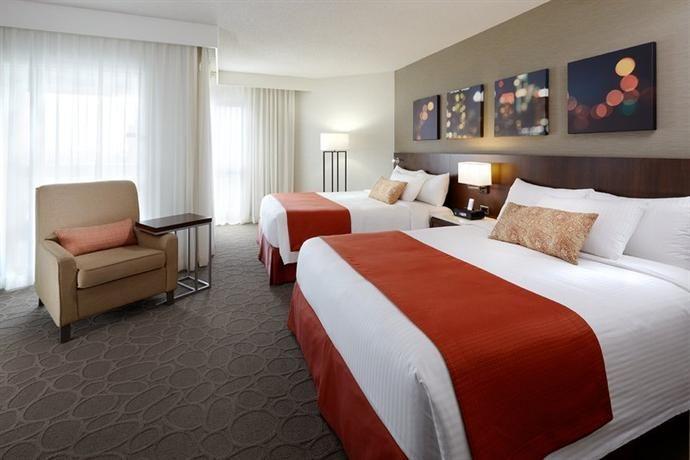 Hotel Deal Checker - Delta Montreal Hotel