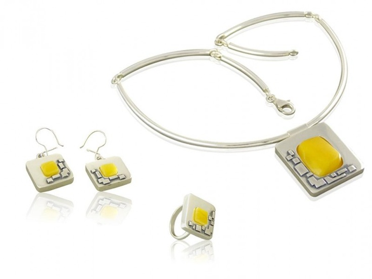 Handmade silver jewellery set with amber