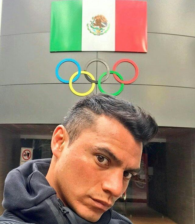 Vía @yahel_castillo  Siempre con Mexico  en alto  #happy #mexico #olympic #flag #patriota #love #goodnights
