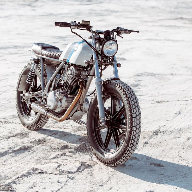 This ultra-cool little Yamaha SR500 was built for ripping around the coastal roads of the Aegean. Would you ride it?