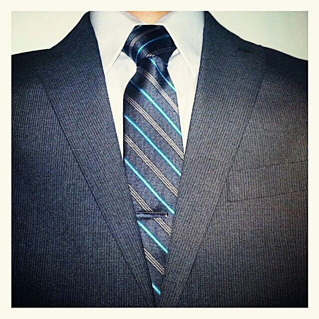 Grey perry ellis suit grey shirt and express turquoise for Express shirt and tie