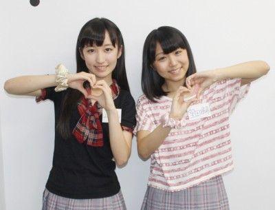 室田瑞希(写真右)、山木梨沙(左)が「保険見直し本舗」で保険についてお勉強!