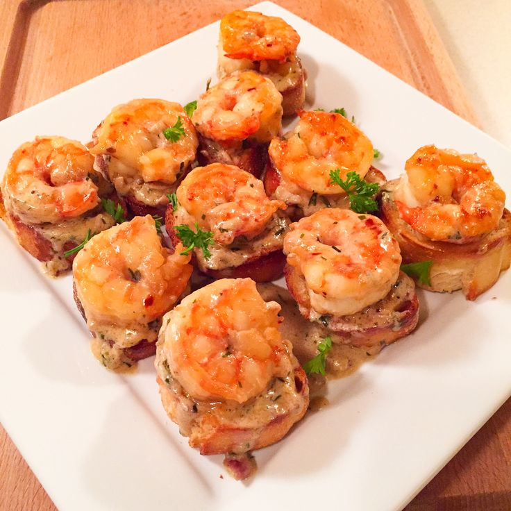 Shrimp with Whiskey Tarragon Sauce on French Bread – Dinner With Tayo