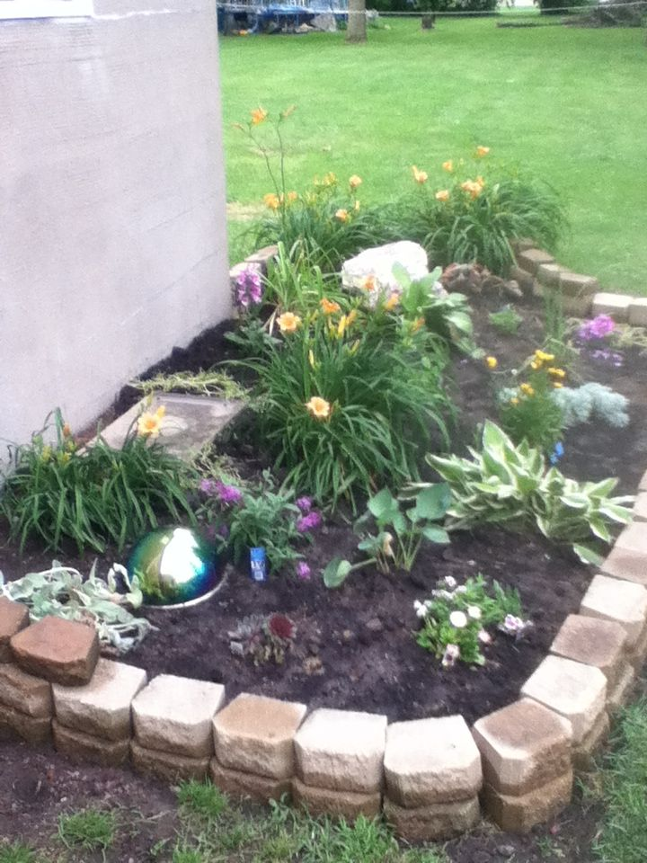 17 Best Images About Flower Beds On Pinterest Paver 640 x 480