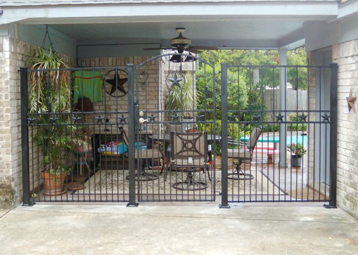 Wrought Iron Breezeway Fence With Texas Stars (1120×800)