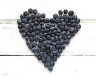 #blueberries #heartblueberries #healthyfood #heartshapedblueberries #mirtilos #mirtilosemformadecoracao #coraçãodemirtilos #coracaodemirtilos #drawingwithfood