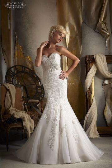 Mori Lee robes de mariée tulle sirène traîne chapelle application col en coeur