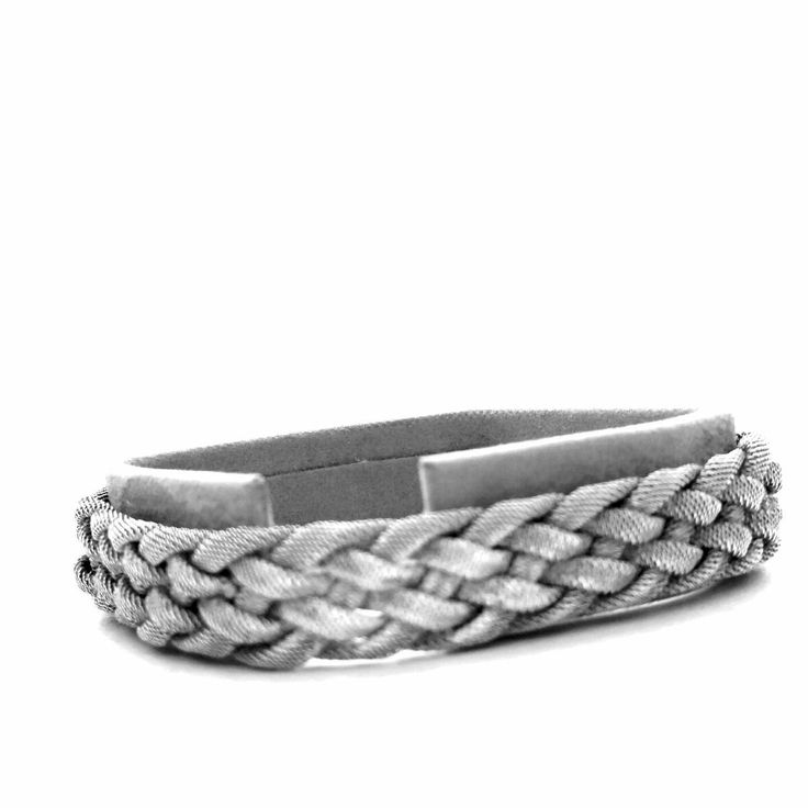 Braided bracelet made of 800 silver, with practical spring ring; Length: 18 cm Width: 13 mm Weight: 13.08 grams old engraving: Tukan 4 for 800 silver