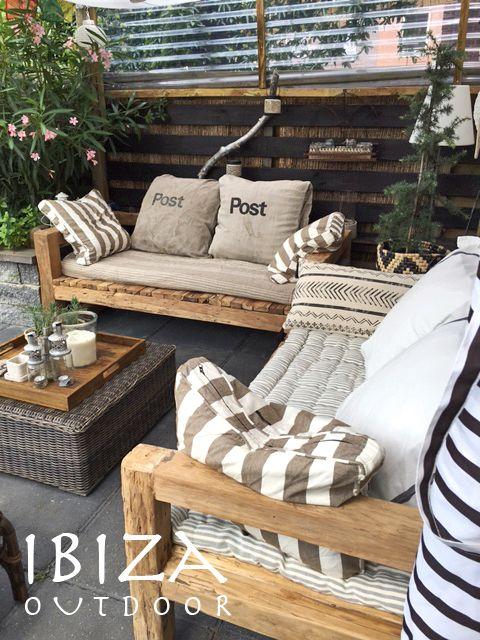 Leuke foto ontvangen met de robuuste tuinbank, staat geweldig op deze veranda. Heb nog een aantal van deze stoere loungebanken voor in de tuin. bij interesse mail naar ibizaoutdoor@gmail.com ook voor een afspraak in de loods.