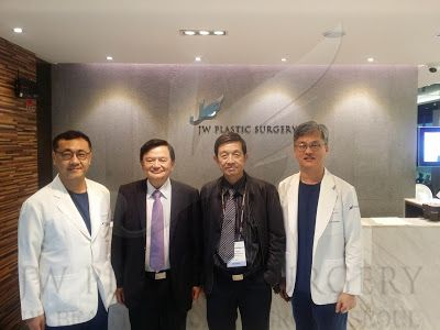 """Dr. Man Koon, Suh were invited as Panelist from PRS Korea 2015  Previous and Present president Dr. Kamol Wattanakrai and  Dr. Charan of ISAPS Thailand visited JW Plastic Surgery Clinic Korea to see our clinic and to see Dr. Man Koon, Suh / Dr. Chul Hwan Seul / Dr. Hong Lim, Choi They had wonderful time each other to have dicussion about the surgery methods and share their own experiences of knowledge Dr. Man Koon, Suh were invited as Panelist to present about  """"Asian Tip Plasty"""""""