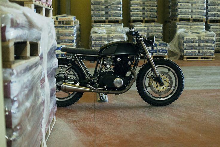 Suzuki GSX. El Torito by Entrophy motorbike
