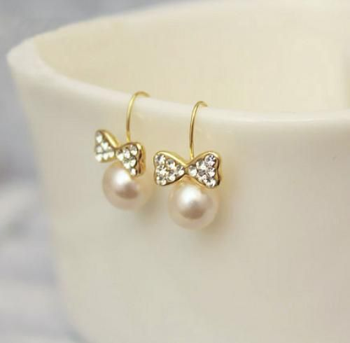 Chic Bow Pearl Dangle Earrings