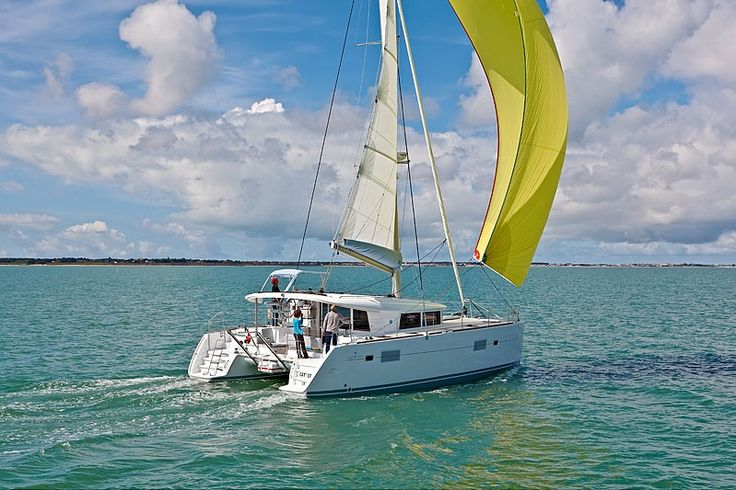 Lagoon 400 Private Tours