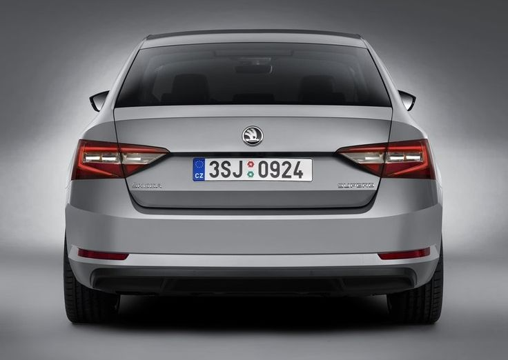 New Skoda Superb 2016 Back Angle