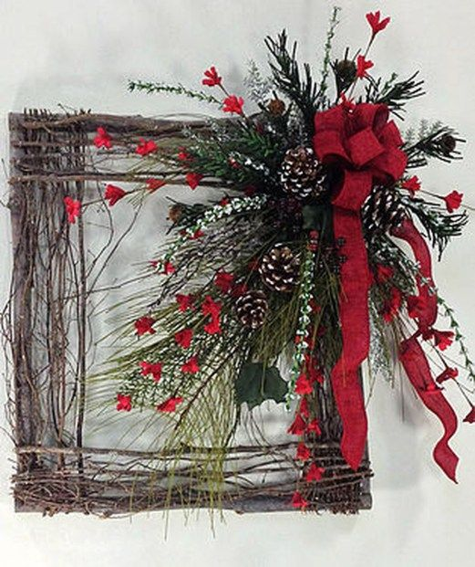 Adorable Christmas Wreath Ideas For Your Front Door 21