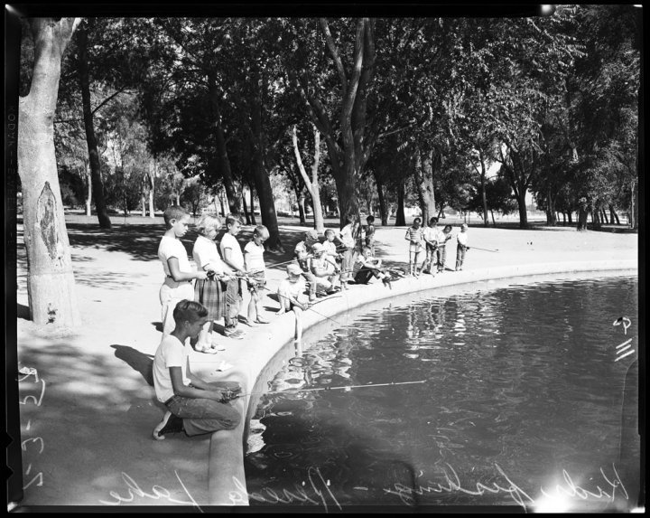 Reseda Park, 1957.  Remember those little boats you could ride around the lake in. I also loved feeding the ducks there too!