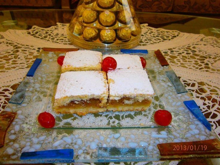 Reteta Placinta cu mere (de post) din categoria Prajituri. Cu specific romanesc.
