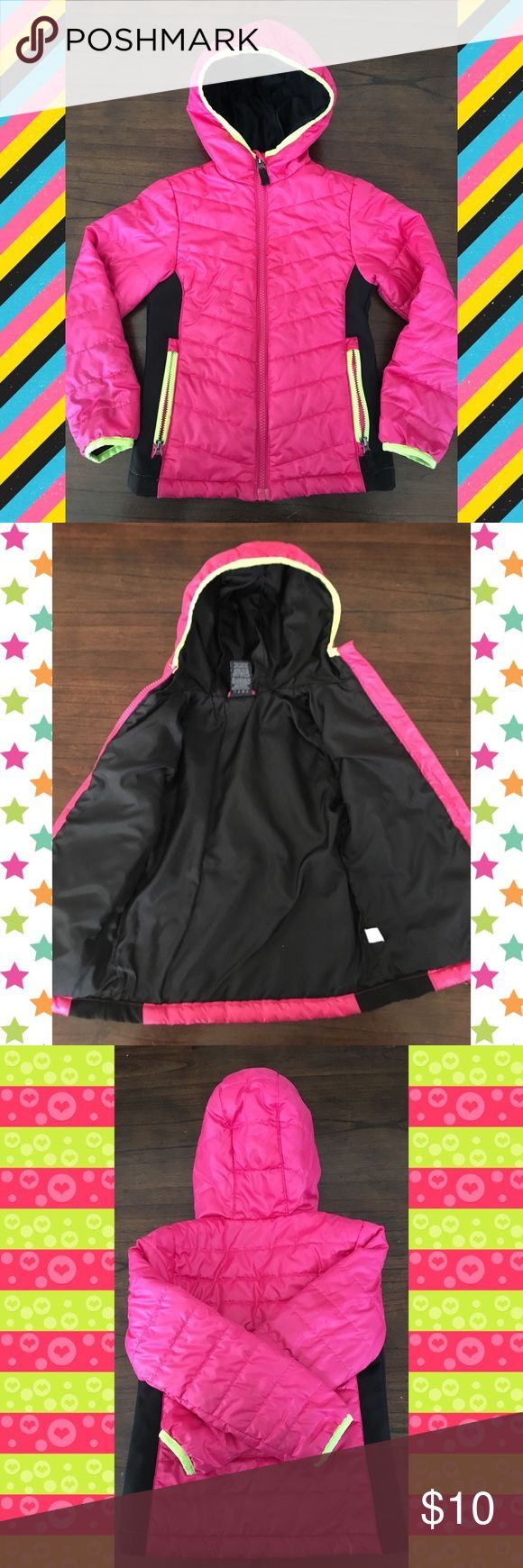 ⭐️⭐️⭐️Hot Pink Parka {Faded Glory} Hooded hot pink parka lined in black for cold winter days. Good used condition with no holes but a few insignificant stains that are hardly noticeable (in photos) on the sleeves mostly. Faded Glory size XS will fit 4T, 5T & sizes 4 & 5. Faded Glory Jackets & Coats Puffers