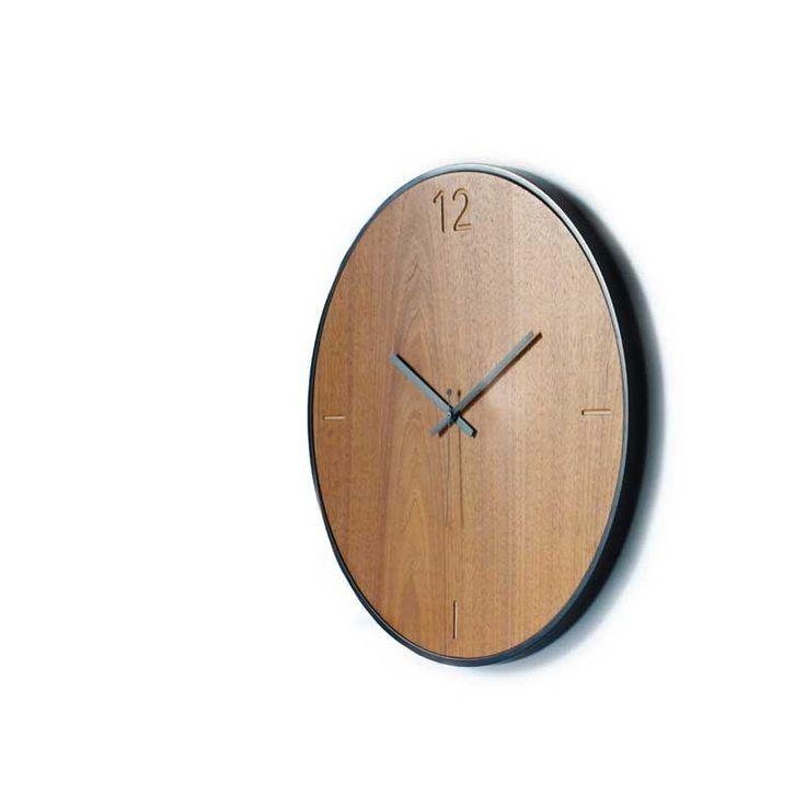 Ρολόι τοίχου Natural walnut designed by xline
