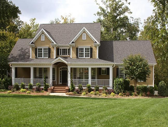 1319 best images about beautiful homes on pinterest for Pictures of beautiful front porches