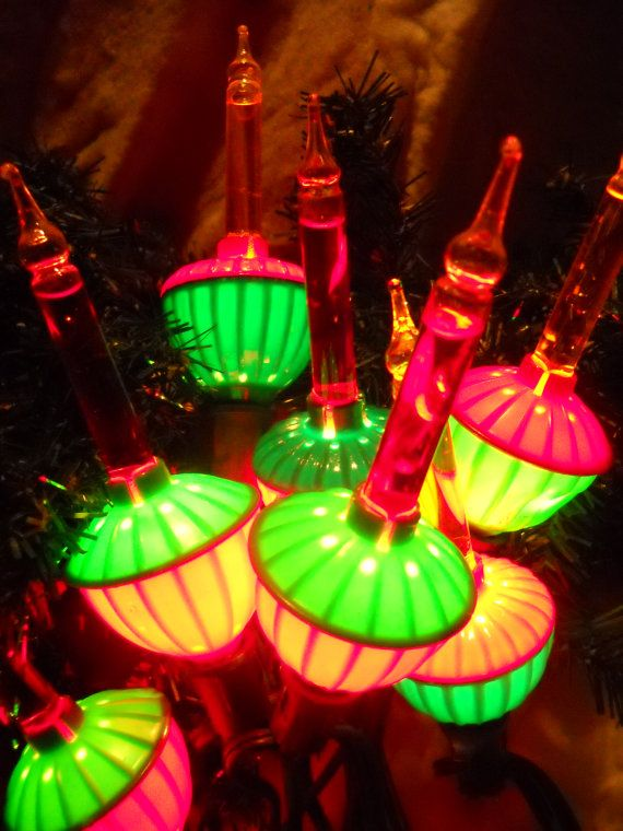 Bubble Christmas Tree Lights. One of my favorite Christmas decorations!