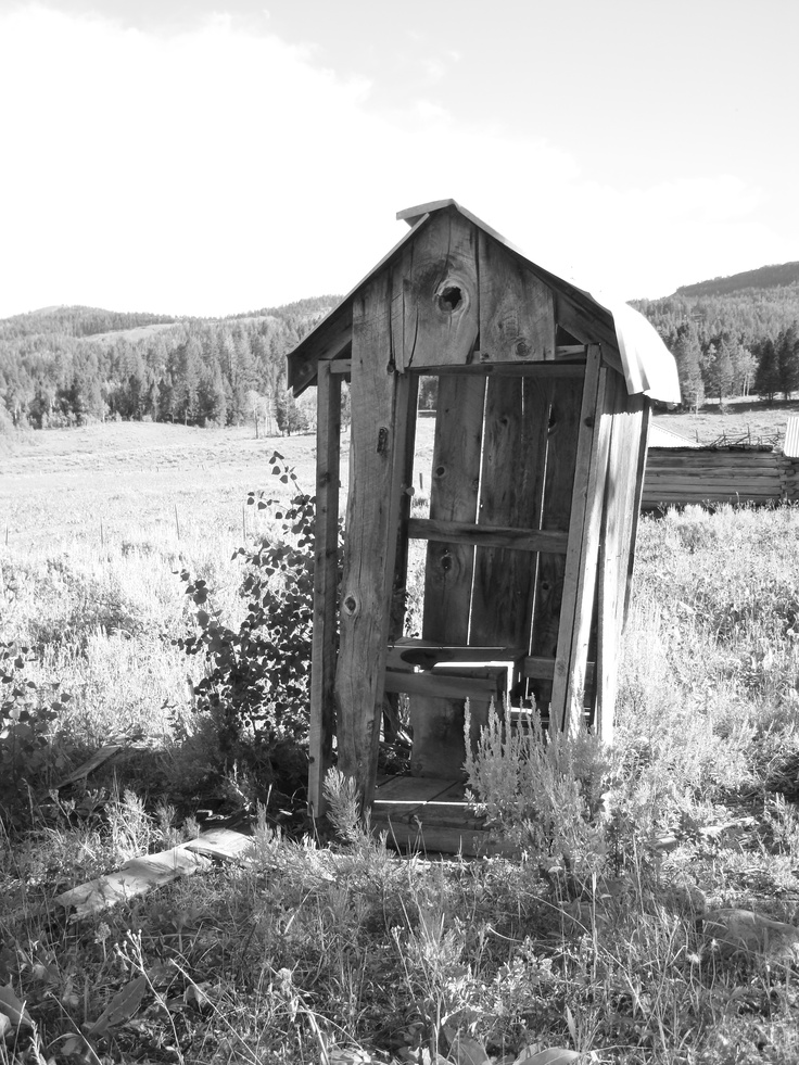 Old outhouse down on the farm pinterest for Outhouse pictures