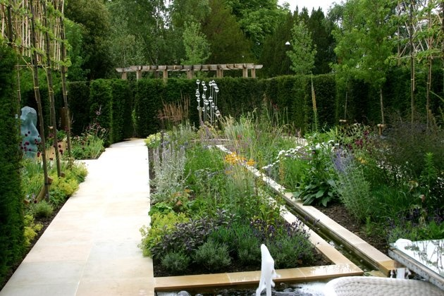 Small-scale designer garden